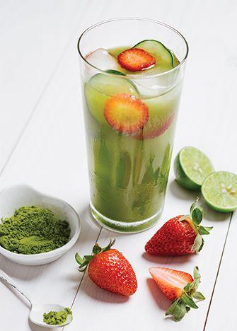 INGREDIENTESPara 2 personas1 cda de té verde matcha3 1/2 tzs de agua1/3 de Pepino en rodajas3 Fresas en rodajasEndulzante natural al gusto2 limones , jugo recién exprimidoPROCEDIMIENTOEste delicioso …