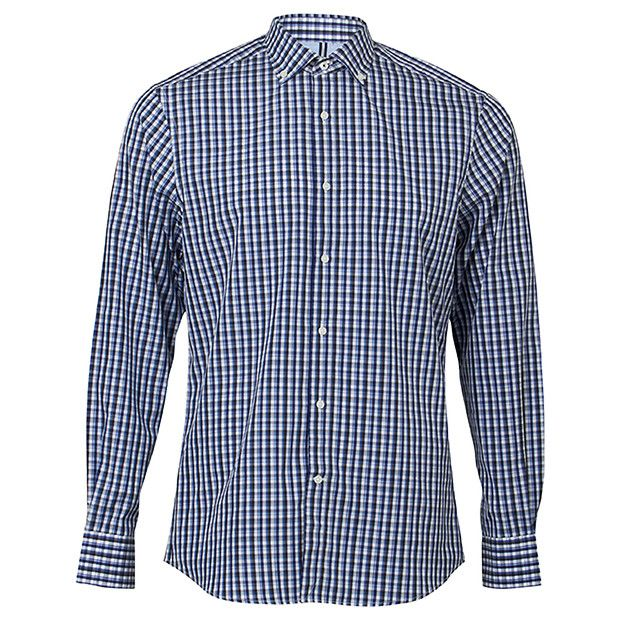 Cut with a little extra room in the chest and waist with shape through the side seam, this elegant fit shirt is suitable for all body shapes.