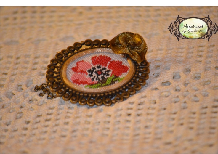Magic garden - hand embroidered brooch!