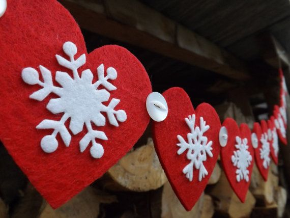 Heart and Snowflake Garland, Red, Christmas Garland, Felt Garland, Scandinavian Decor, Snowflake Wedding, Skiing, Winter Decor, Nordic,