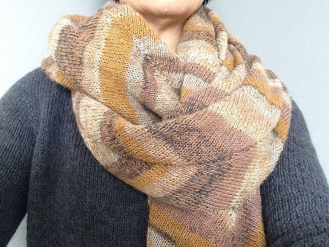 Ravelry: Project Gallery for Tørklæde 5 pattern by Lone Gissel & Tine Rousing