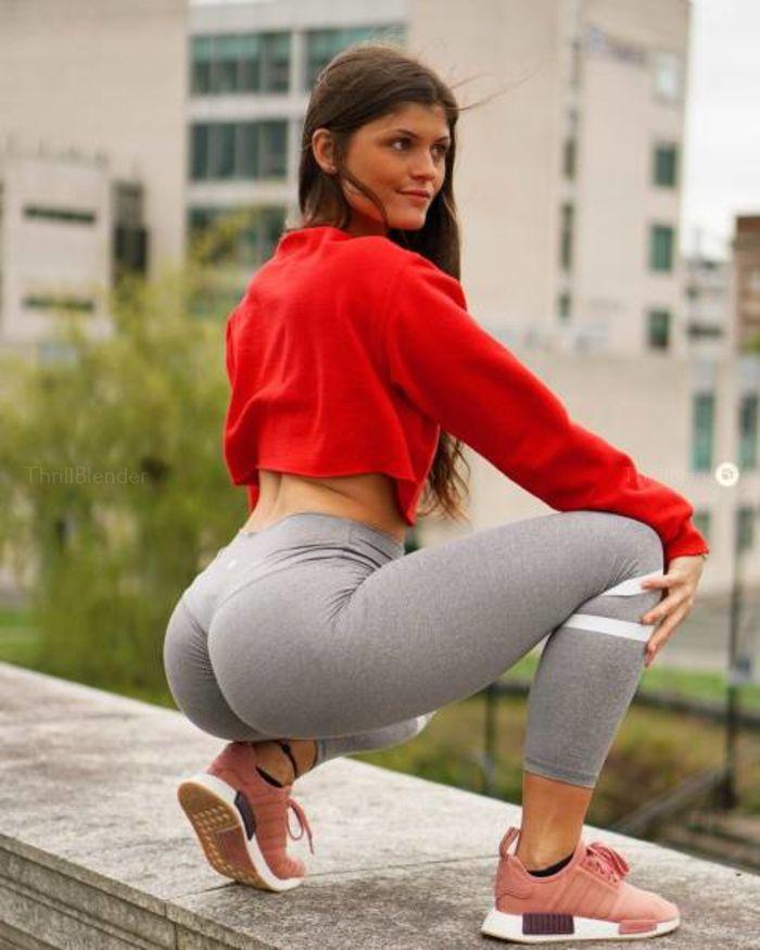 Teen girl hot girl tight pants monroe