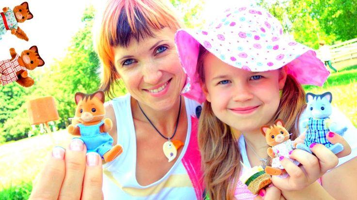 Маша и Ксюша с Котиками Виладж стори на Пикнике! Village story Toys. Вид...