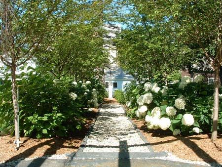 French Formal Garden | Inspired by 18th century French formal garden design, the statue at ...