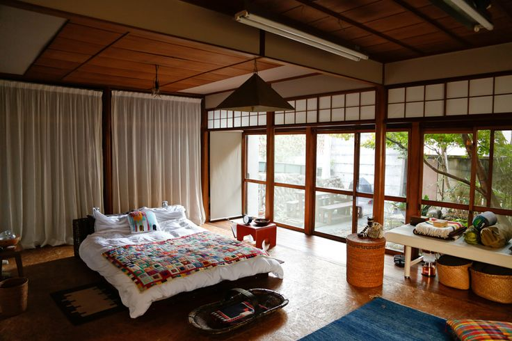 INTERVIEWS / LIFECYCLING - IDÉE | Lucas Badtke-Berko and is 70-year-old Japanese style house.