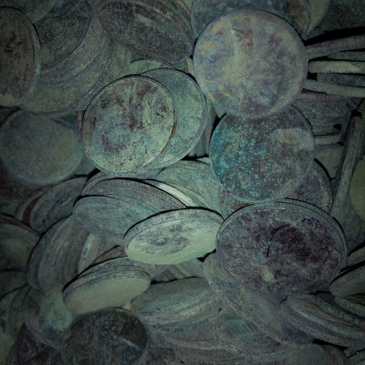 http://coin-cleaning-service.merschat.com/ Are you a city park manager or work for an airport, amusement park, casino, cemetery, college, faire, festival, hospital, hotel, museum, restaurant, spa, university, or zoo with wishing wells, fountains, or other water features. Coins tossed in corrode becoming a maintenance hassle.  We specialize in cleaning and restoring tarnished, old coins to a bankable condition.  Send them as-is; unsorted, dirty, and wet.