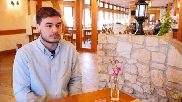 """""""Los eSports son el próximo negocio del billón de dólares""""   Cristian Duarte Iglesias no es el típico joven de 20 años. A su edad ya se ha retirado como jugador profesional de eSports después de seis años compitiendo ha sido entrenador de equipos tanto de deportes físicos como electrónicos y actualmente compagina sus estudios de desarrollo de aplicaciones web con su trabajo en la Liga de Videojuegos Profesional (LVP).  Xataka hablo con él en Katowice (Polonia) donde el pasado fin de semana…"""