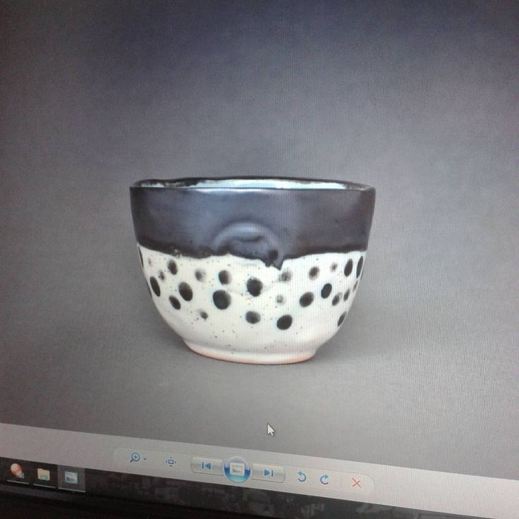 """""""Holi estoy muy emocionada porque hay piezas nuevas y desde la semana que viene estaran disponibles en www.potpotceramica.com.ve porque ahora tendrán…"""""""