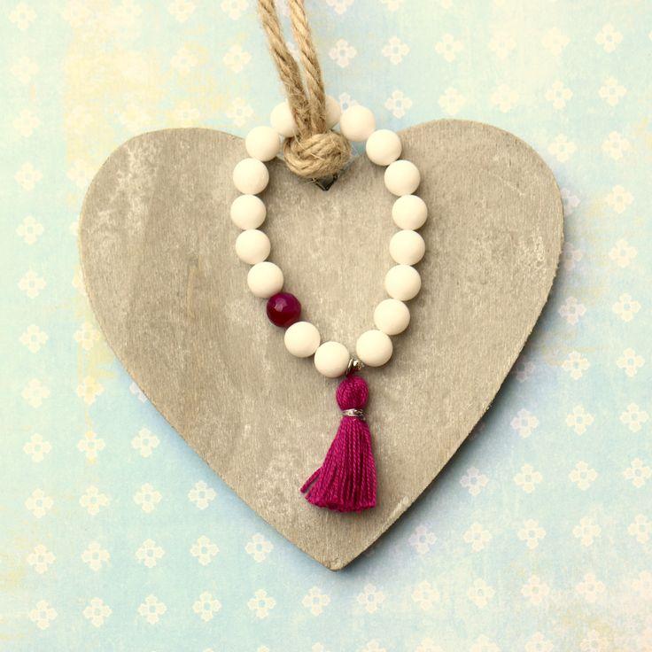 Bohém karkötő fehér jáde, fukszia achát ásványokból.. http://www.indigokovek.hu/