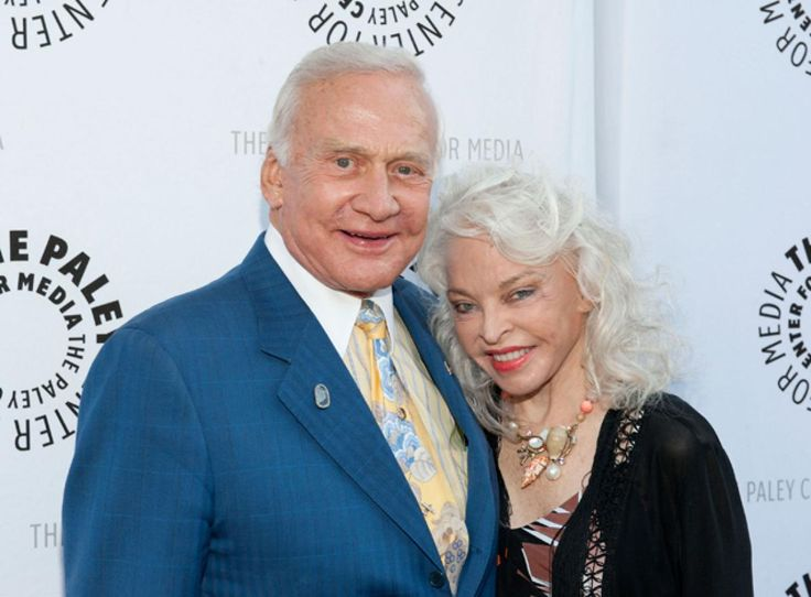 Buzz Aldrin and his wife of 23 years, Lois Driggs Cannon, officially divorced on Dec. 28.
