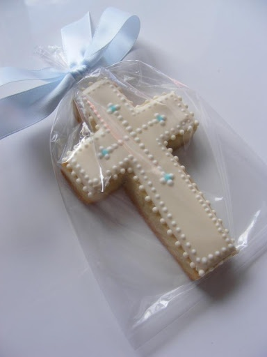 Cookie Favors - Buttercup Cookie - pretty dotted border cross