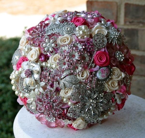 wedding flowers!??? weddingIdeas, Brooch Bouquets, Bridal Bouquets, Brooches Bouquets, Wedding Bouquets, Flower Bouquets, Wedding Flower, Bouquets Wedding, Broach Bouquets