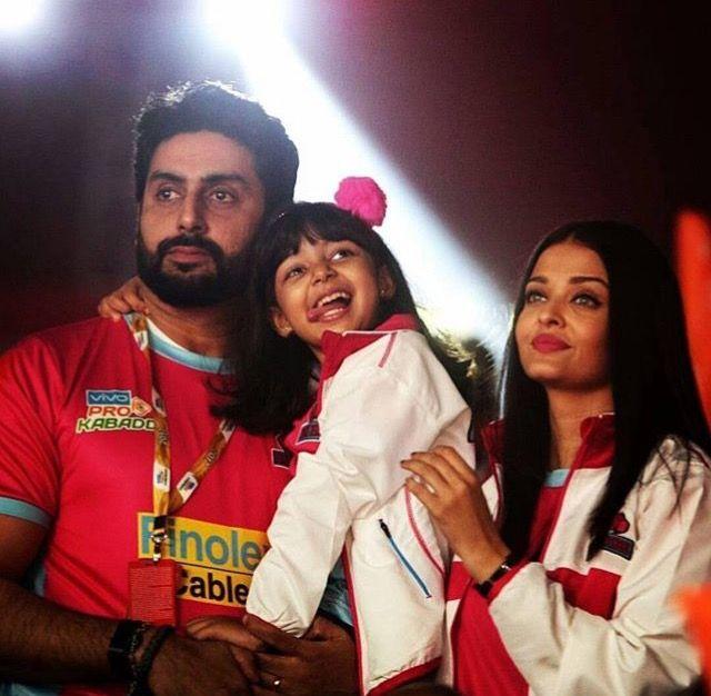 Aishwarya Rai with husband Abhishek and daughter Aaradhya Bachchan