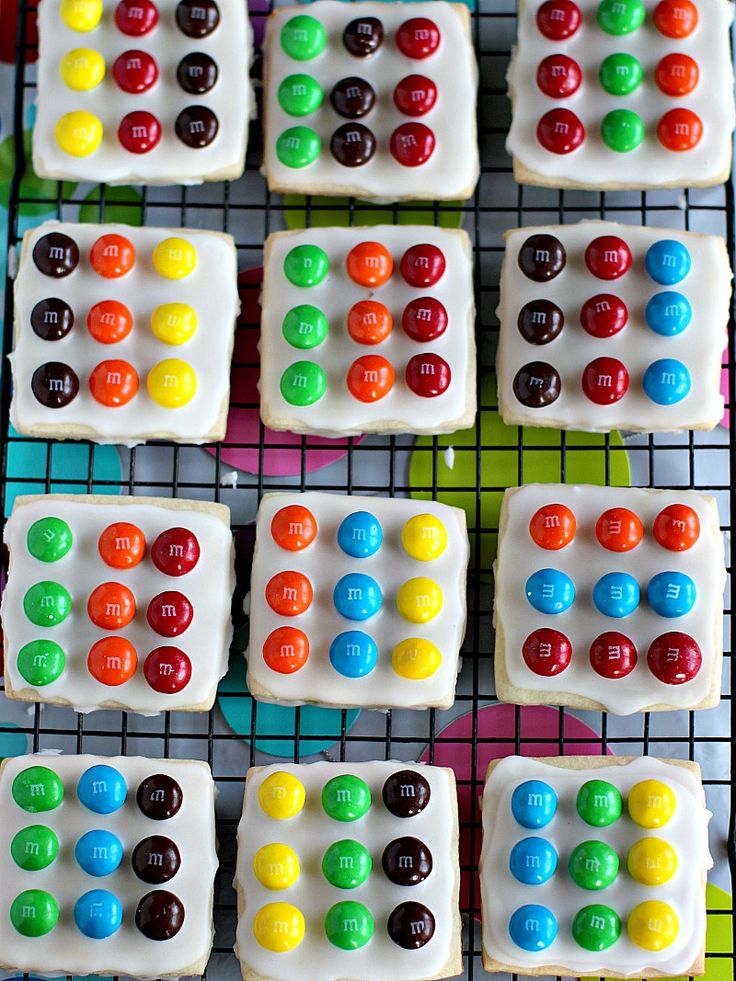 Try this recipe for easy M&M'S Twister Cookies for a fun board game themed birthday party!