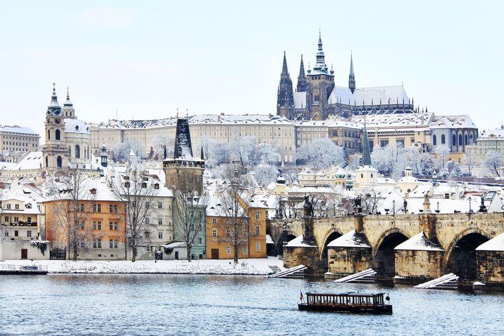 Praga – #Craciun de poveste Perioada: 22.12 – 26.12.2017 (5 zile / 4 nopti) Contactati-ne pentru mai multe detalii si personalizarea #vacantei Dvs.! http://bit.ly/2um2BYo