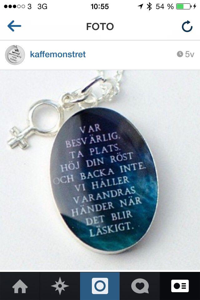 Halsband med feministiskt budskap från Karins Konstgrepp
