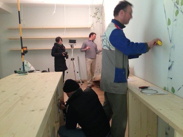 Allestimento libreria: manca poco. L'architetto Ilaria Vasdeki (Madori, design relazionale) ha curato il progetto d'arredo.   http://www.madoridesign.com/  Inaugurazione sabato 16 marzo 2013.