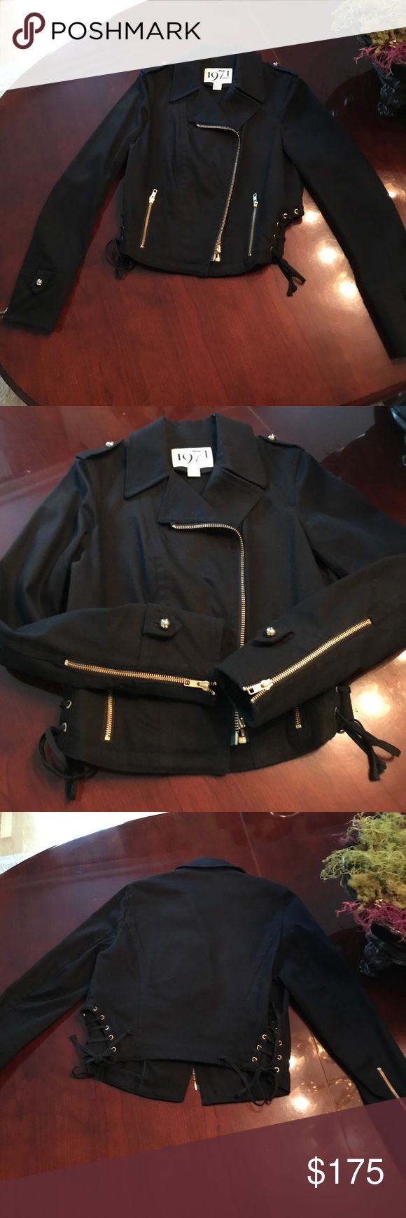 Reiss Canvas Motocross Jacket Reiss Canvas Black Motocross Jacket with Gold detail, ties on side, zippers on sleeves. Worn once, in great shape. Size Large buts fits more like a Medium. Reiss Jackets & Coats