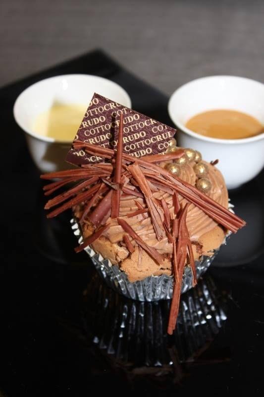 Valrhona chocolate and caramel cupcake. http://www.cottocrudo.cz/en/lunch-menu