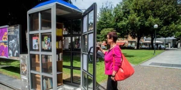 Le vecchie cabine telefoniche di Lugano si trasformano in biblioteche gratuite