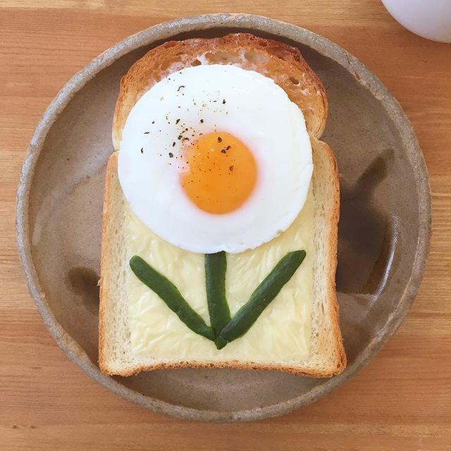 #お花トースト #朝ごはん #朝食 #ワンプレート #サンドイッチ #食パン #パン大好き #パン #トースト #目玉焼き #sundwich #bakery #egg #foods #yum #yummy  #eat  #eating #delicious #eeeeeats #instagood