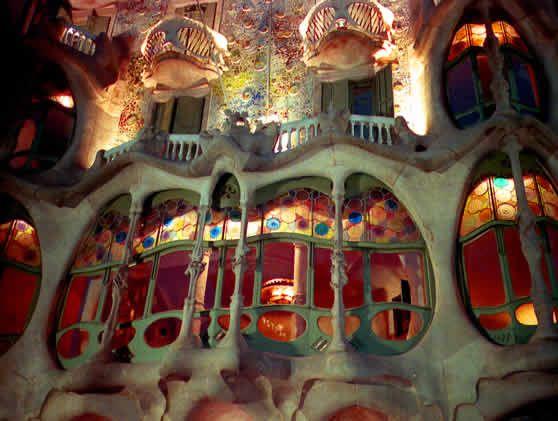Antoni Gaudi use of light and shapes Google Image Result for http://www.magnetmagazine.com/wp-content/uploads/2009/01/gaudi23.jpg