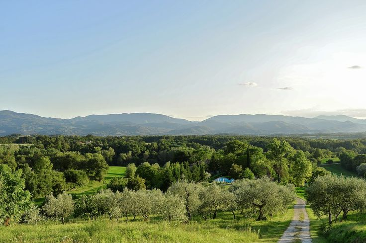 View over the 7 farmhouses with pool from Villa Montagna #poggioalleville #villamontagna #mugello #tuscany #holidays
