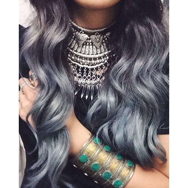 If my hair ever starts to turn gray I think I'll just do this!