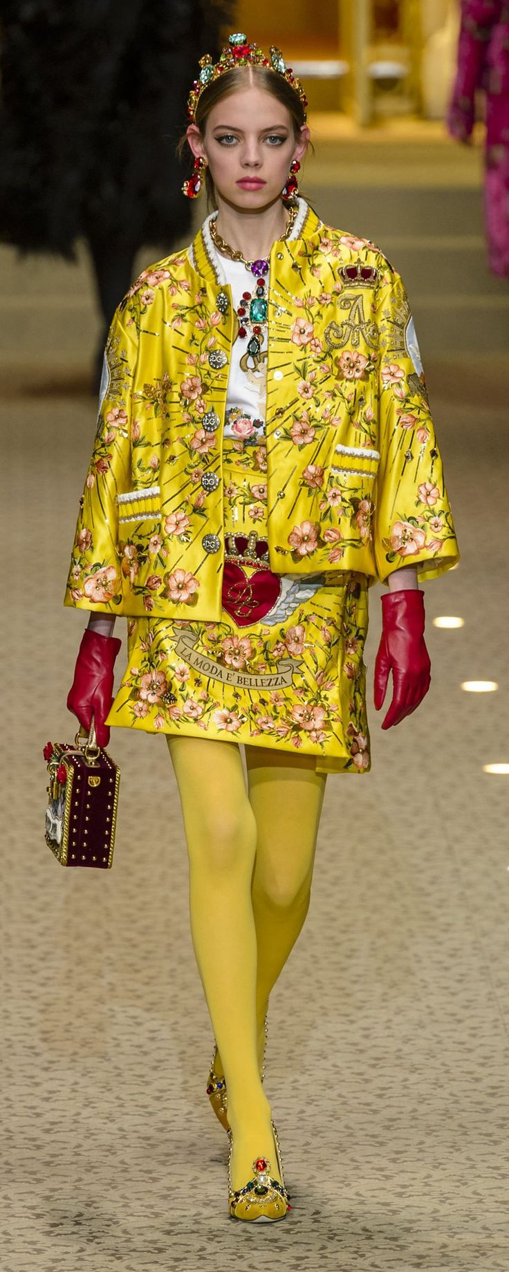 Dolce & Gabbana Fall-winter 2018-2019 - Ready-to-Wear - http://www.orientpalms.com/Dolce-Gabbana-7161 - ©ImaxTree