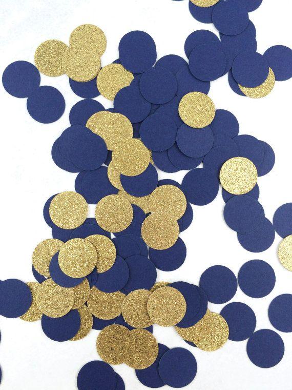 ❤ Marineblauw & Gouden Confetti ❤ Deze confetti ziet er darling en dus feestelijke besprenkeld op een tabel of dessert kar op een feestje! ❤ Wees alsjeblieft zeker om te lezen van de volledige beschrijving vóór de aankoop. Als u vragen hebt, aarzel dan niet ons te contacteren! ❤ GROOTTE: Elk stuk van confetti is. 75 MATERIAAL: Alle stukken van confetti worden gemaakt met kwaliteit zure vrije-kaartmateriaal. Kleur: Neem dan gerust contact met mij opnemen met aangepaste kleur a...