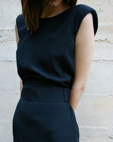 .Fashion, Sleeveless Dresses, Offices Looks, Chic Dresses, Navy Dresses, Work Outfit, The Dresses, Black, Work Dresses