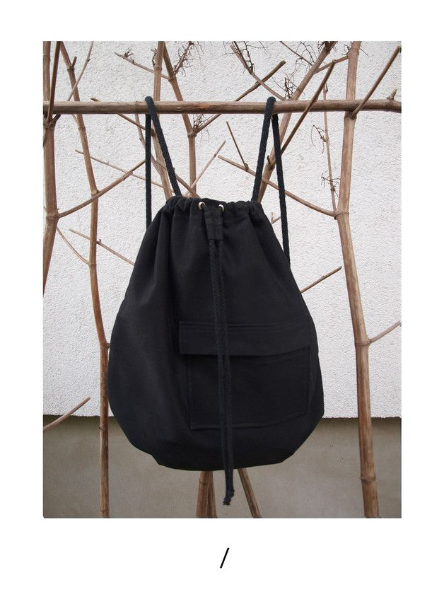 MINIMAL ASSYMETRIC POCKET BACKPACK /ONLINE SHOP/ http://en.dawanda.com/product/100706519-czarny-worek
