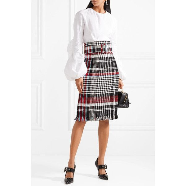 Oscar de la Renta Belted fringed checked cotton-blend tweed skirt (4,145 PEN) ❤ liked on Polyvore featuring skirts, white skirt, colorful pencil skirt, fringe pencil skirt, checkered pencil skirt and white knee length pencil skirt