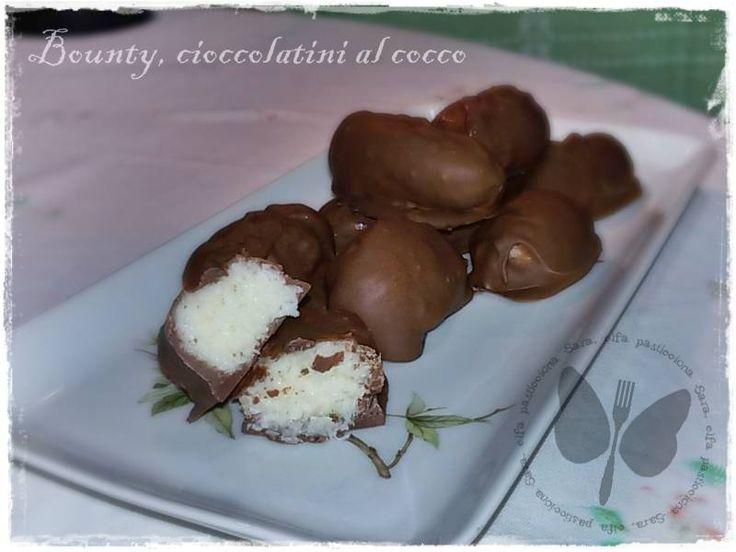 Bounty fatti in casa, cioccolatini al cocco