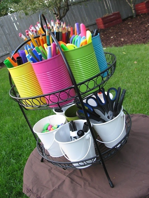 Outdoor invitation to create ≈≈ http://www.pinterest.com/kinderooacademy/atelier/
