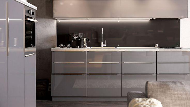 Moderne METOD Einbauküche mit RINGHULT Fronten