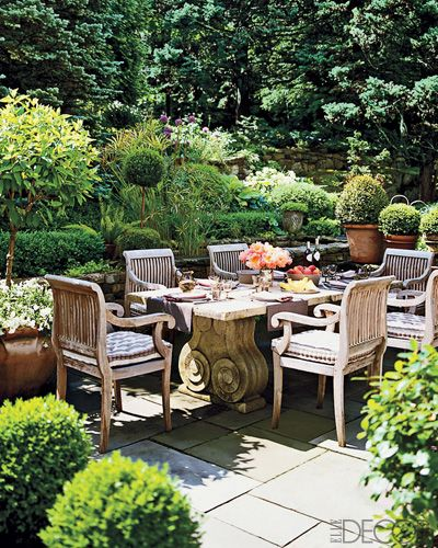 Seeking inspiration for luscious outdoor living design? Then enjoy these beautiful images of outdoor living spaces and furniture which might help.