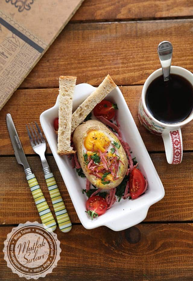Patates Kasesinde Fırınlanmış Yumurta | Mutfak Sırları