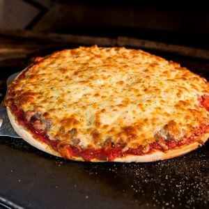 The 18 Best Pizzas In Chicago, 2014 Edition Note: Glad to see that Fox's Beverly Pub is on this list since it is my ALL- TIME Favorite Pizza! I used to live less than a mile from there when I lived on the South Side of Chicago! (Beverly/ Morgan Park Neighborhood)
