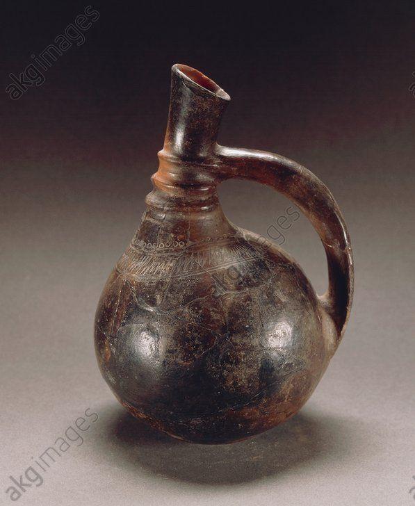 Nuragic civilization. Pear-shaped askos vase. From Sardinia Region. Villanovaforru, Museo Archeologico 'Genna Maria' (Archaeological Museum)