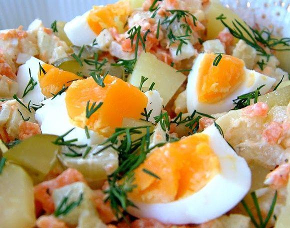 Wielkanocna sałatka ziemniaczana