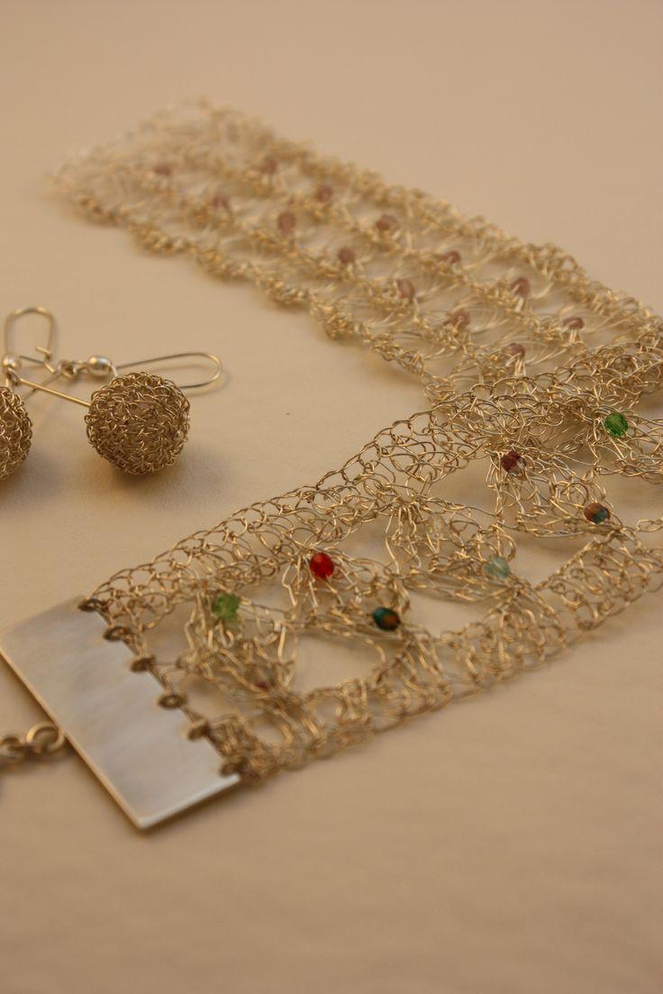 Brazaletes de plata con cristales checos