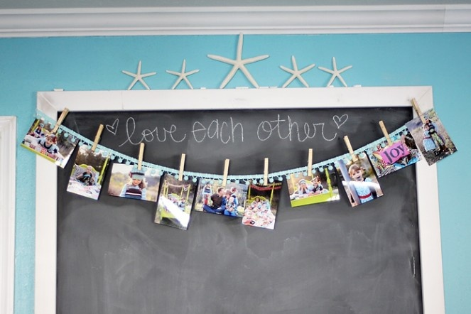 I've got to fit this into the living room or kitchen. Beautiful diy chalk board & photos. #Chalkboard #Photos #diy