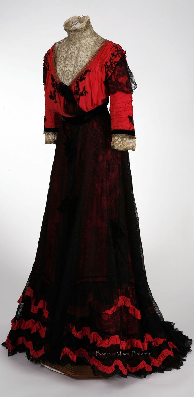 Afternoon dress ca. 1908. Crimson red silk chiffon and black lace bodice with matching skirt. Stephens College Costume Museum Pinterest