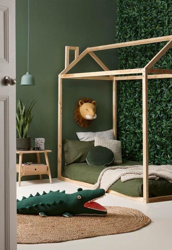 Chambre d\'enfant scandinave exotique vert marron beige kaki ...