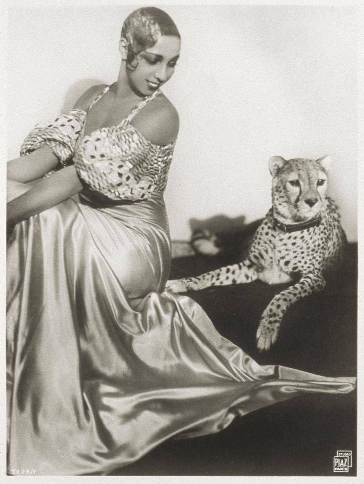 Josephine Baker Posing With Cheetah - 1931