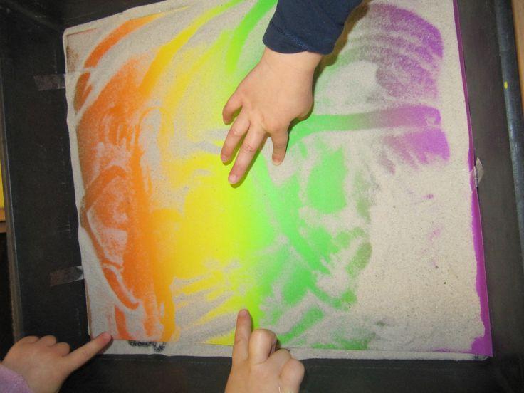 voelen - zand - regenboogpapier