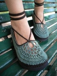 crochet flip flops free pattern | The Woods - Brown and Green Crocheted Shoes