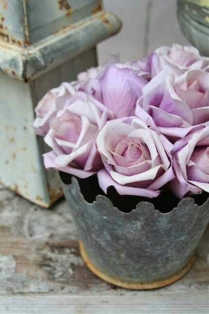PASTEL FLOWERS in Chippy Vase