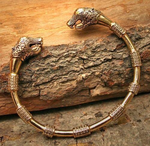 oseberg dragon head bracelet bronze jewelry pinterest posts bracelets and dragon. Black Bedroom Furniture Sets. Home Design Ideas